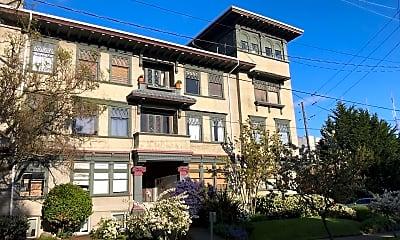 Building, 302 Malden Ave E, 1