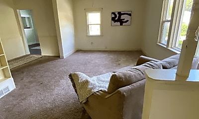 Bedroom, 305 N Buchanan St, 0