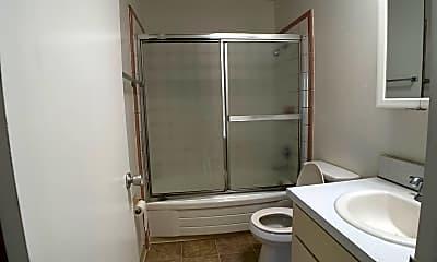 Bathroom, 907 Howard Ave, 1