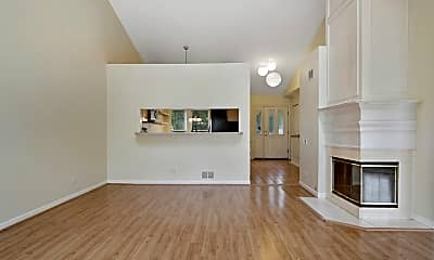 Living Room, 560 Cherbourg Ct N, 1