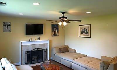 Living Room, 1610 El Dorado Ct, 2