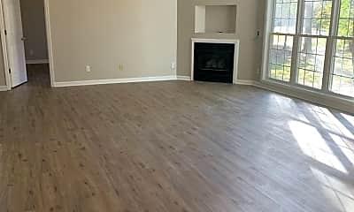 Living Room, 630 N College St, 1