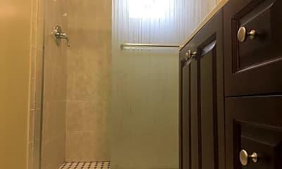 Bathroom, 3220 Wisconsin Ave, 2