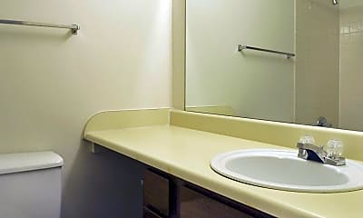 Bathroom, Madison Haven Apartments, 2