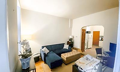 Living Room, 1106 N Hermitage Ave, 0