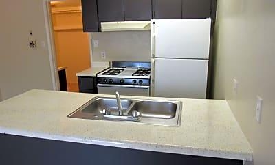 Kitchen, Glendale Manor, 2