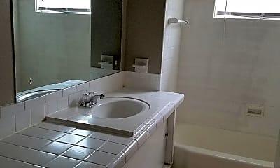 Bathroom, Bel-Aire, 2