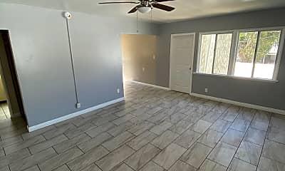 Living Room, 2035 1/2 S Shenandoah St, 1