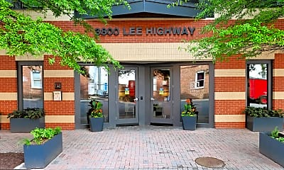 3800 Lee Hwy 402, 1