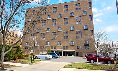 Building, 1401 N Oak St G-4, 0