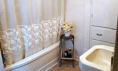 Bathroom, 908 State St, 2