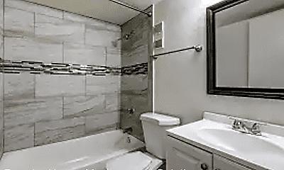 Bathroom, S & T Plaza, 2