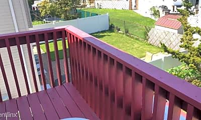 Patio / Deck, 8 Rockne St, 2