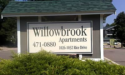 Willowbrook Apartments, 1