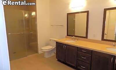 Bathroom, 305 S Sepulveda Blvd, 2