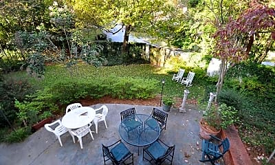 Patio / Deck, 1846 Fernwood Rd NW, 2