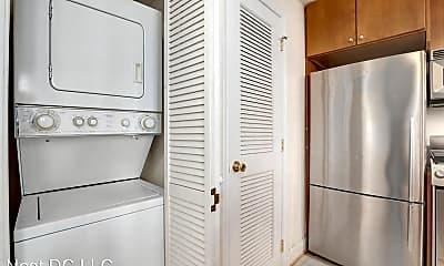 Bathroom, 1438 Columbia Rd NW, 2