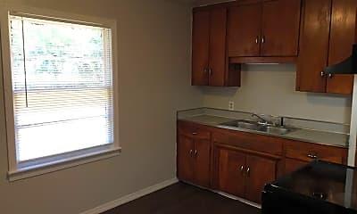 Kitchen, 1005 N Locust Ln, 1