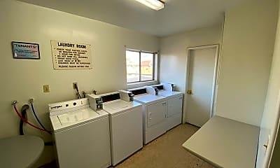 Kitchen, 4037 137th St, 2