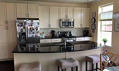 Kitchen, 700 Commodore Court 2729, 1