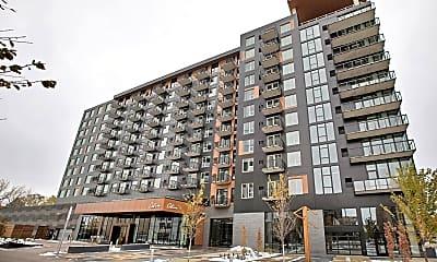 Building, 401 1st Ave NE 551, 1