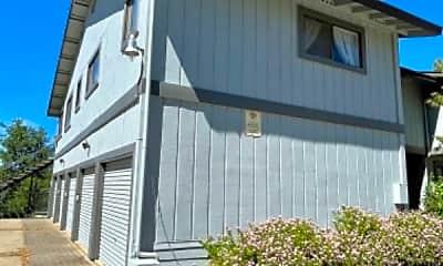 Building, 1020 Gilbert St, 2