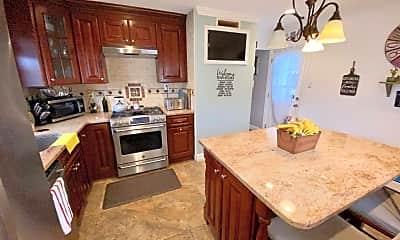 Kitchen, 6 Fredericks Ct, 1