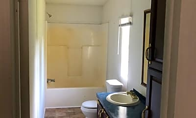 Bathroom, 613 Gordon St, 1