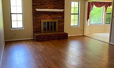 Living Room, 345 E Pharris Dr, 1
