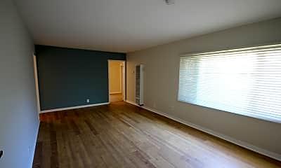 Living Room, 21 Belle Avenue, Unit 4, 2