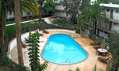 Villa Flores Apartments, 1