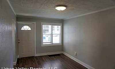 Building, 159 Goltz Ave S, 1