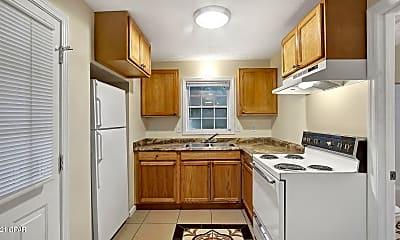 Kitchen, 728 College Ave, 1