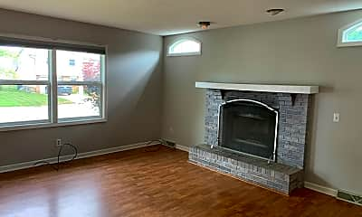 Living Room, 620 Cypress Dr, 1