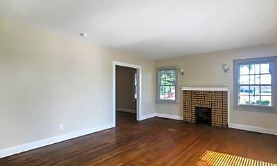 Living Room, 4025 Greensboro Ave, 1