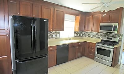 Kitchen, 9707 Covedale Dr, 1