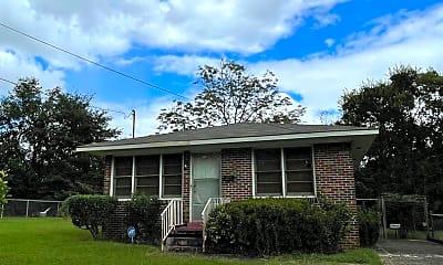 Building, 1431 Oakland St, 2