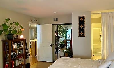 Living Room, 8600 Tuscany Ave 313, 1