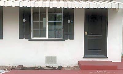 Building, 19040 Monterey Rd, 0
