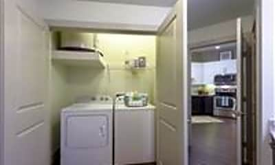 Bathroom, 10503 West Ave, 2