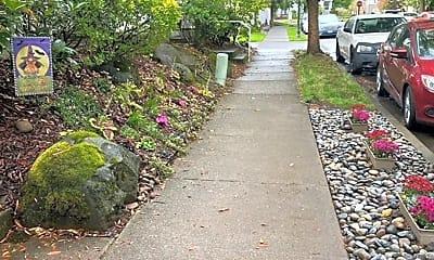 Community Signage, 21958 NE Chinook Way, 2