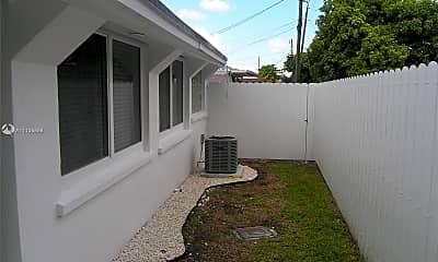 Patio / Deck, 50 W 18th St B, 2