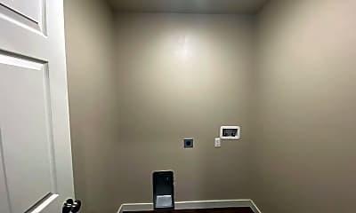 Bathroom, 745 SW 13th St, 2