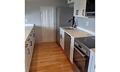 Kitchen, 425 Quincy St, 1