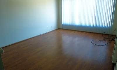 Living Room, 2833 High St, 1