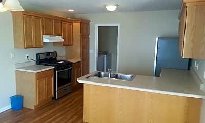 Kitchen, 703A Sunflower St, 1