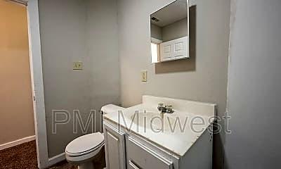 Bathroom, 331 N Temple Ave, Apt B, 2