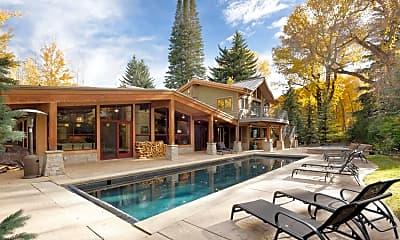 Pool, 908 W Francis St, 0