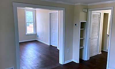 Bedroom, 487 W Grand Ave, 2