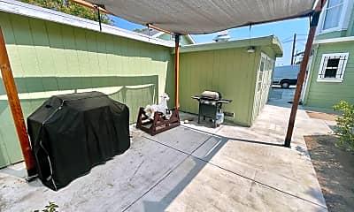 Patio / Deck, 26 W Poplar St, 2